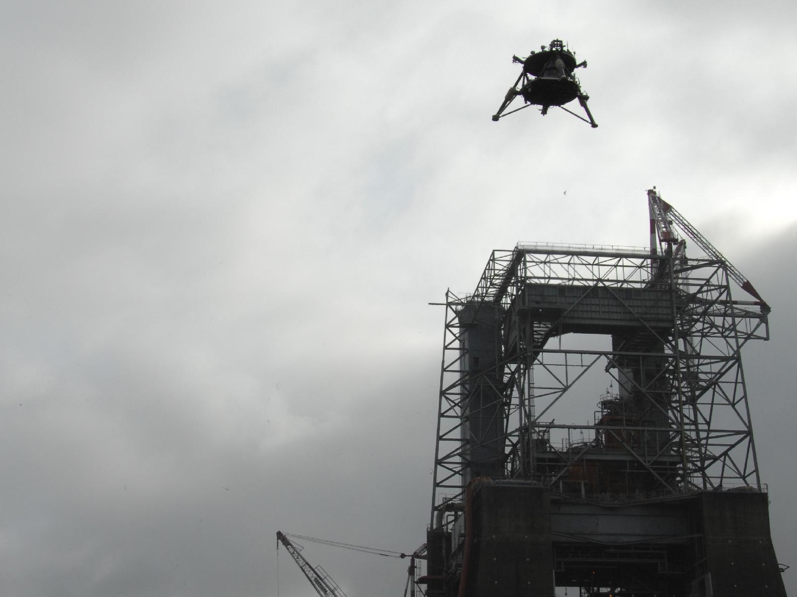 Mighty Eagle Lander Soars 100 Feet
