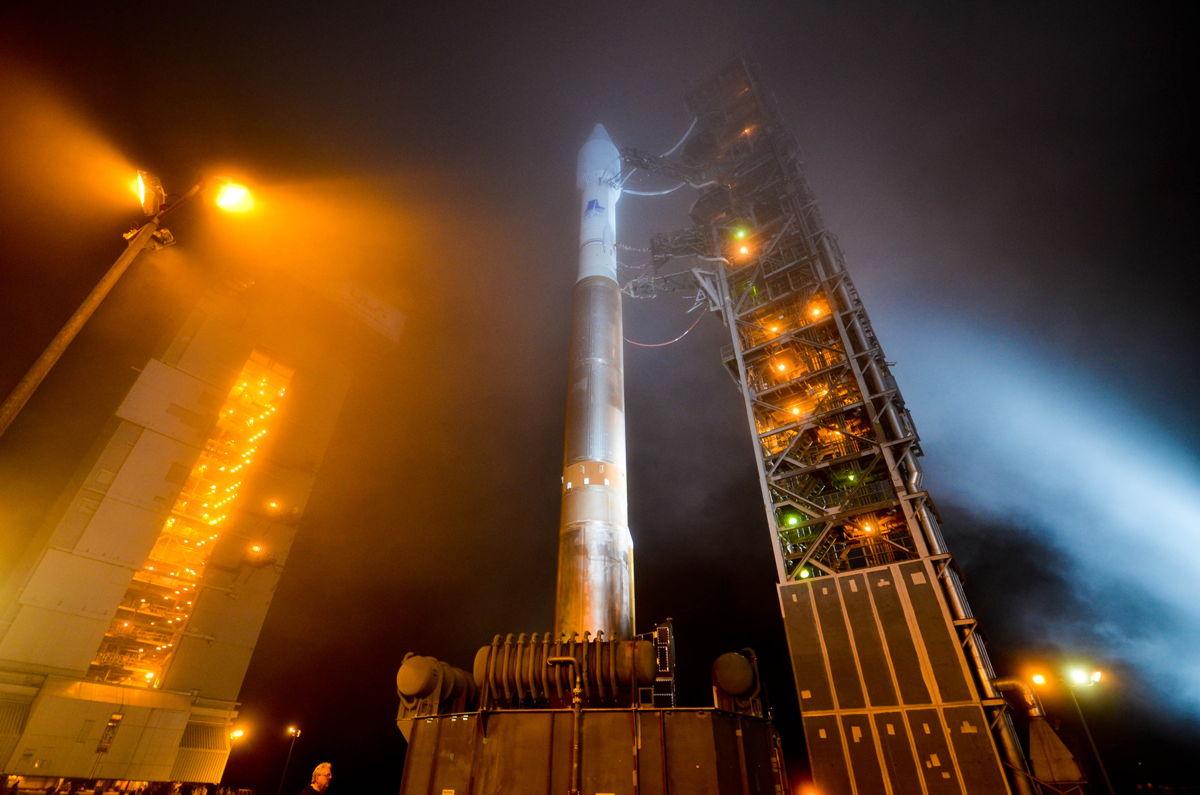 Rollback of Atlas V NROL-36, VAFB