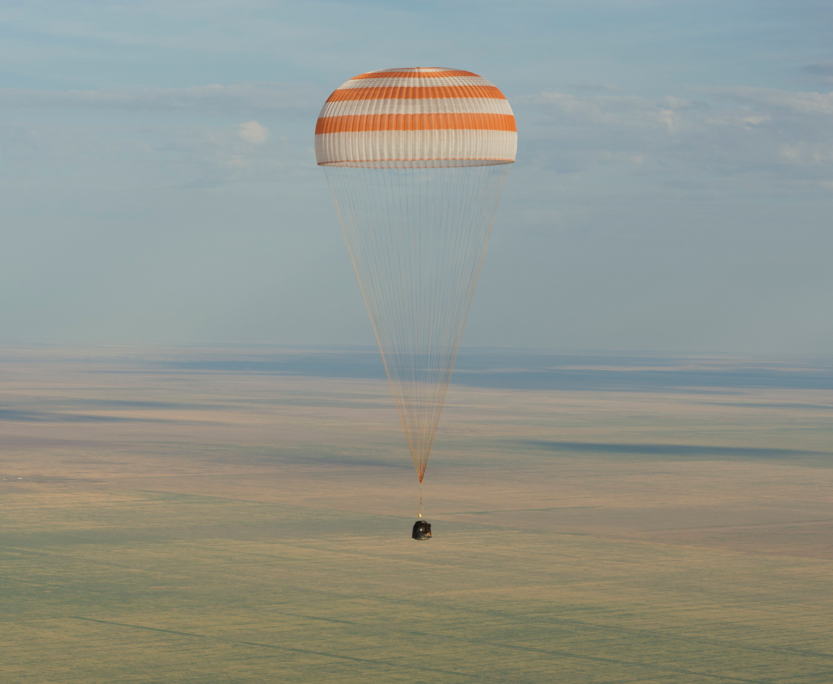 Expedition 32 Landing