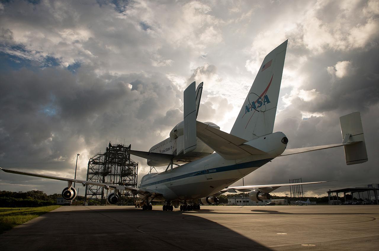 Endeavour at Shuttle Landing Facility