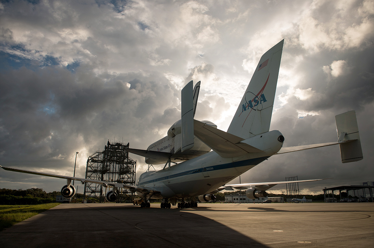 Space Shuttle Endeavour's Los Angeles Landing Delayed to Friday