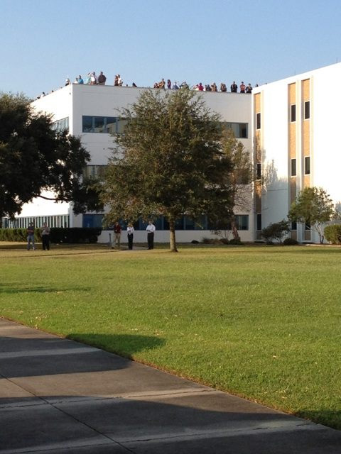 Crowd Awaits Endeavour at Stennis Space Center