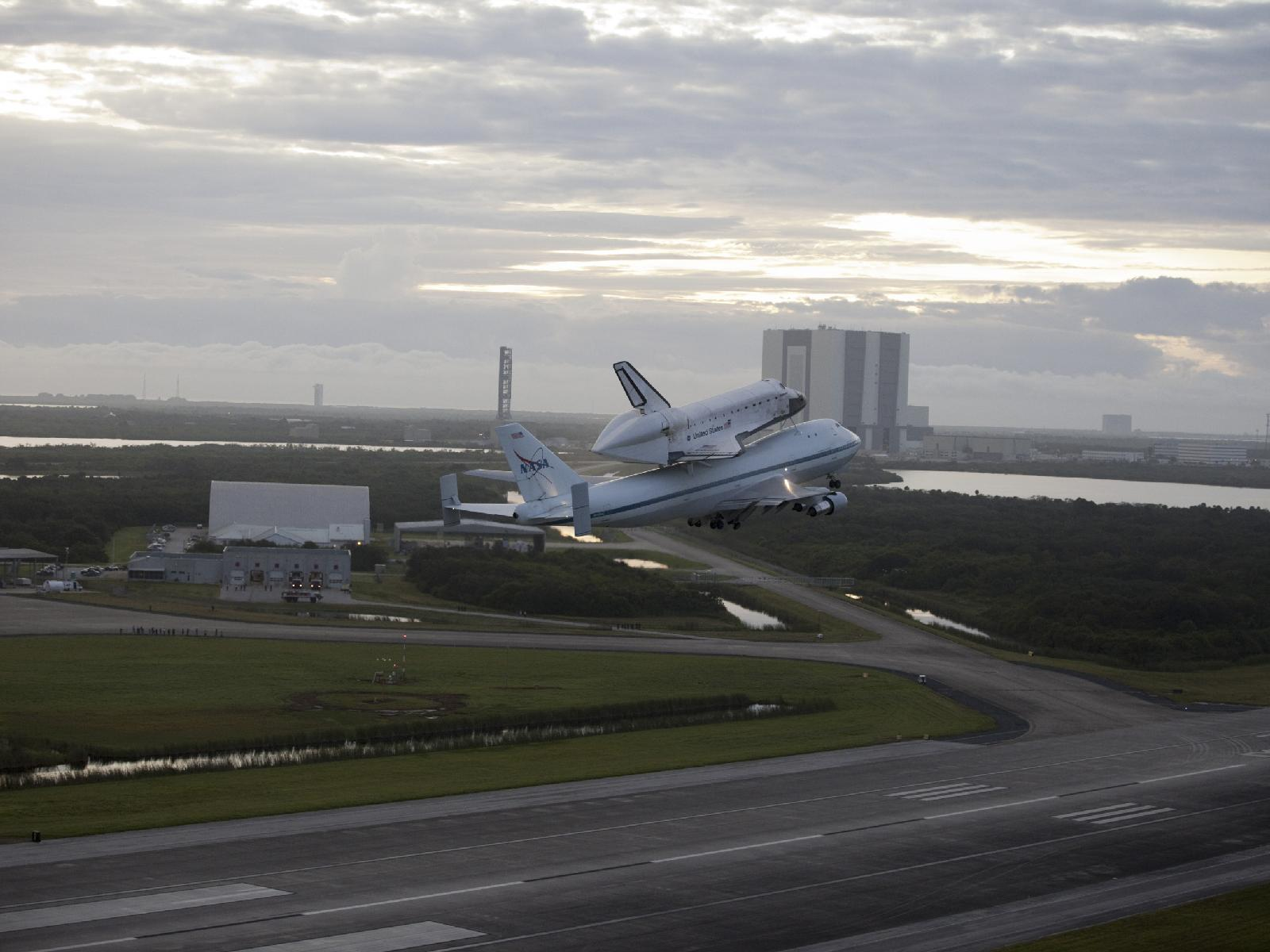 Endeavour Takes Off Atop Shuttle Carrier Aircraft Space ...