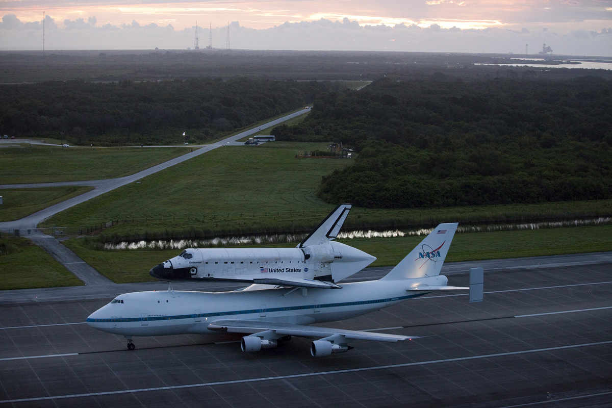 Endeavour Taxis to Runway atop Shuttle Carrier Aircraft
