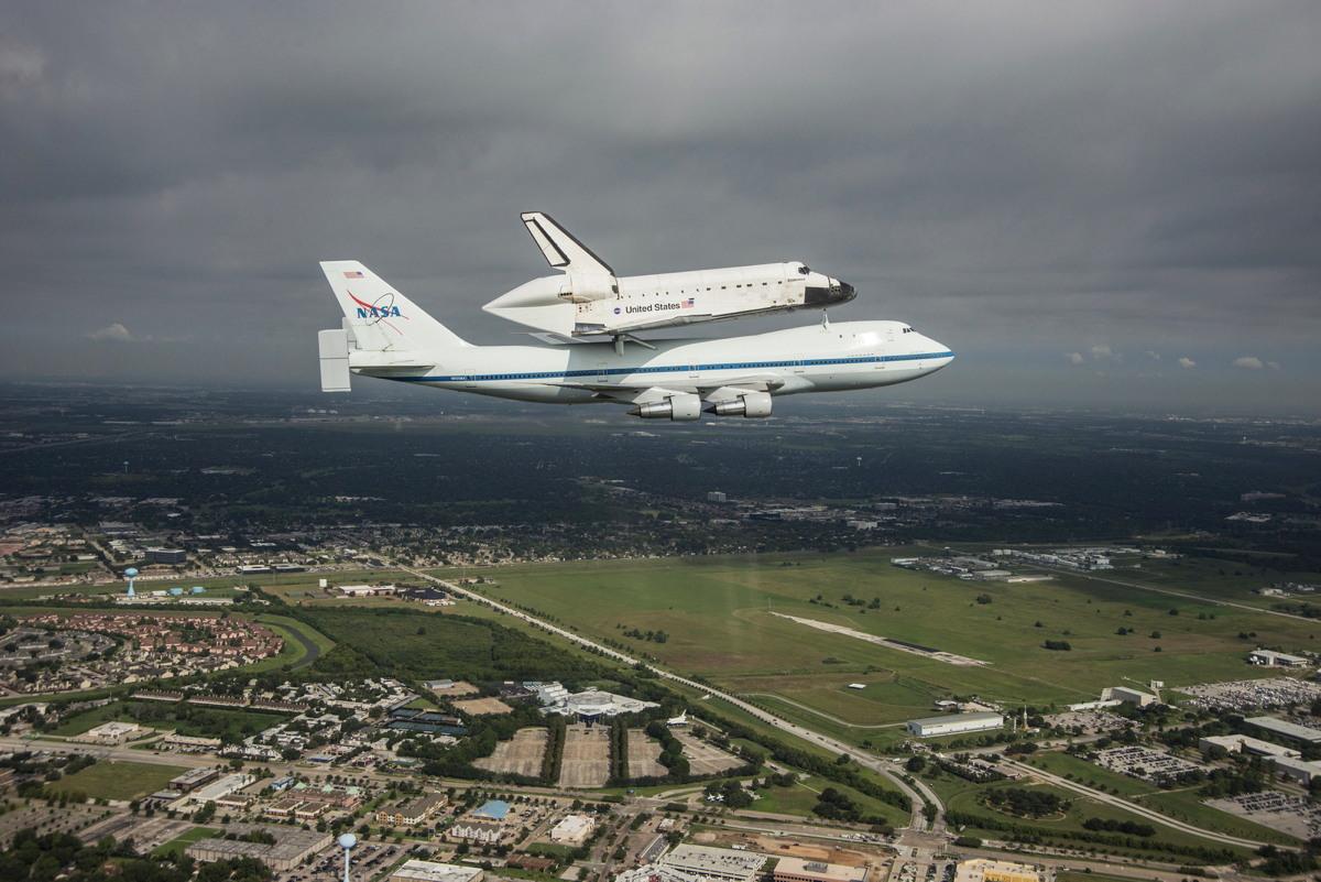 Endeavour Flies over Houston