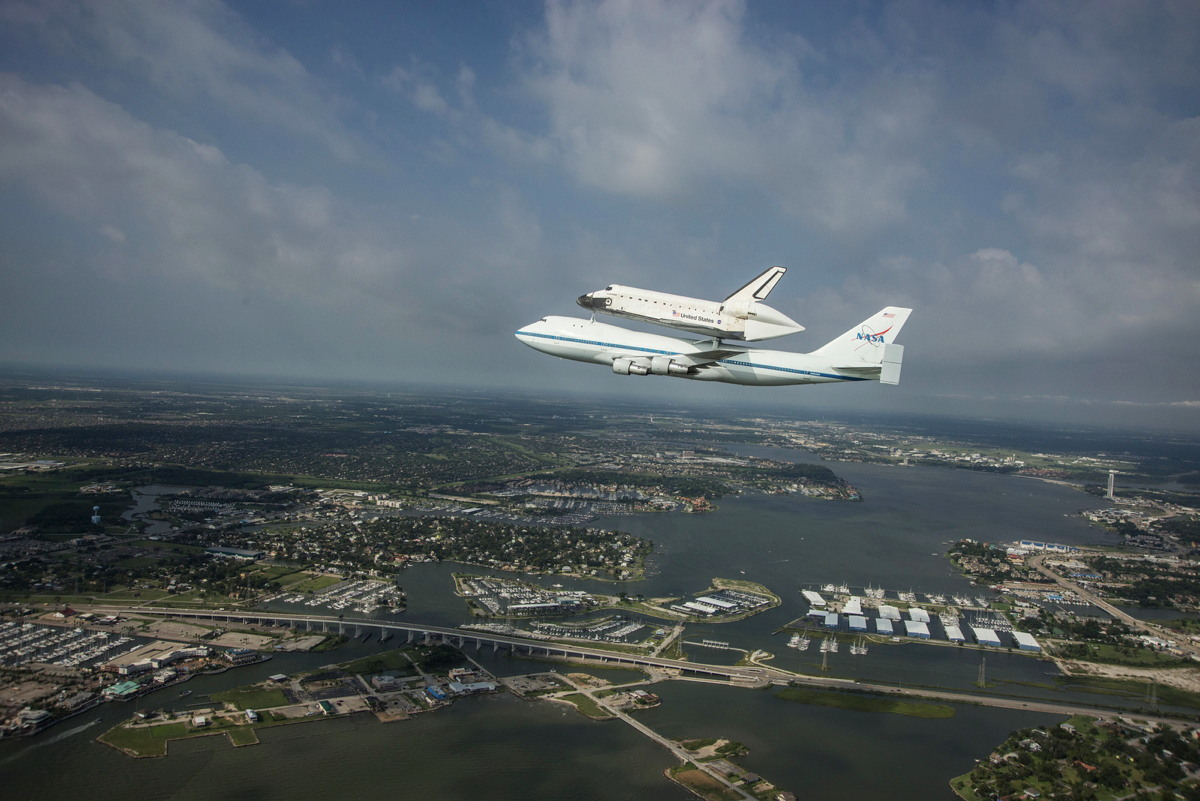 Endeavour over Clear Lake, TX
