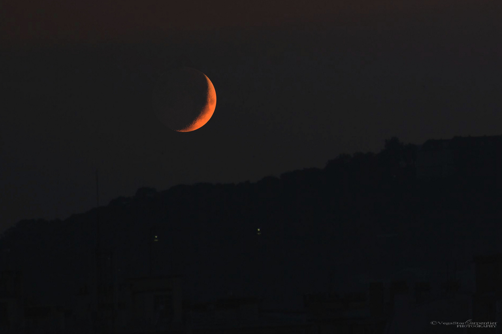 Photographer Spies Stunning Crescent Moon Over  France