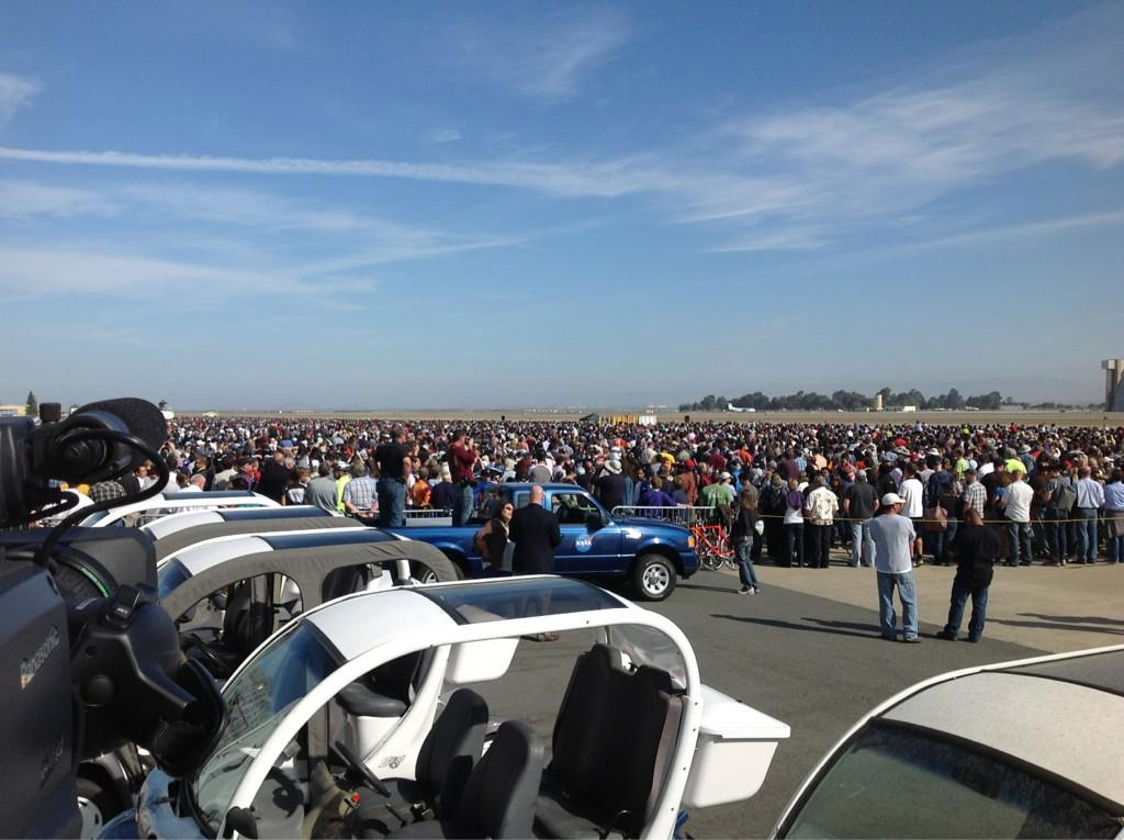 Crowd Waiting for Endeavour at NASA Ames Research Center