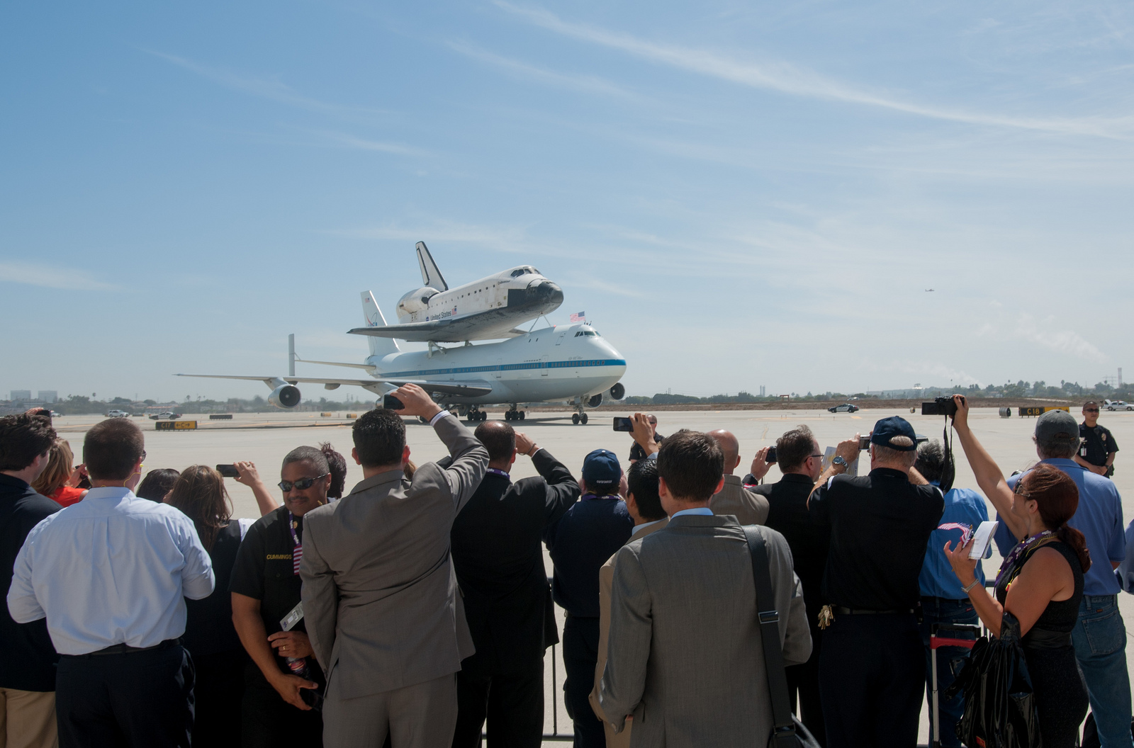 Shuttle Endeavour Lands in L.A.