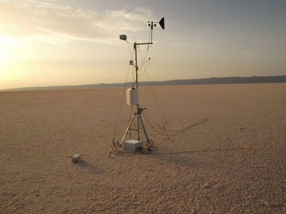 This weather station at Tunisia's Chott el Jerid salt pan was used to study whether similar environments on Mars could host life.