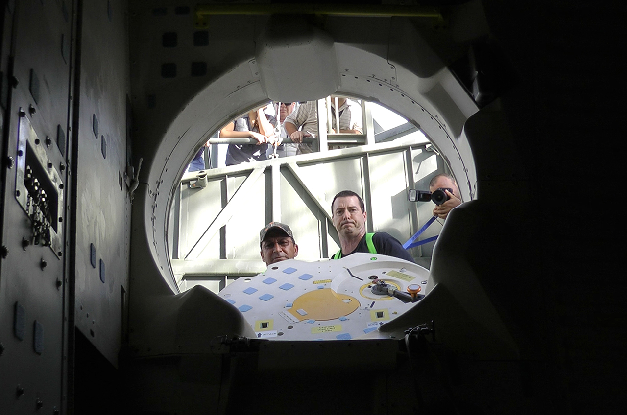 space shuttle cabin crew - photo #40