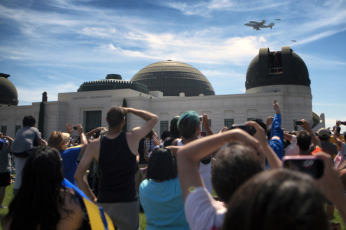 Endeavour over Griffith Observatory, Los Angeles