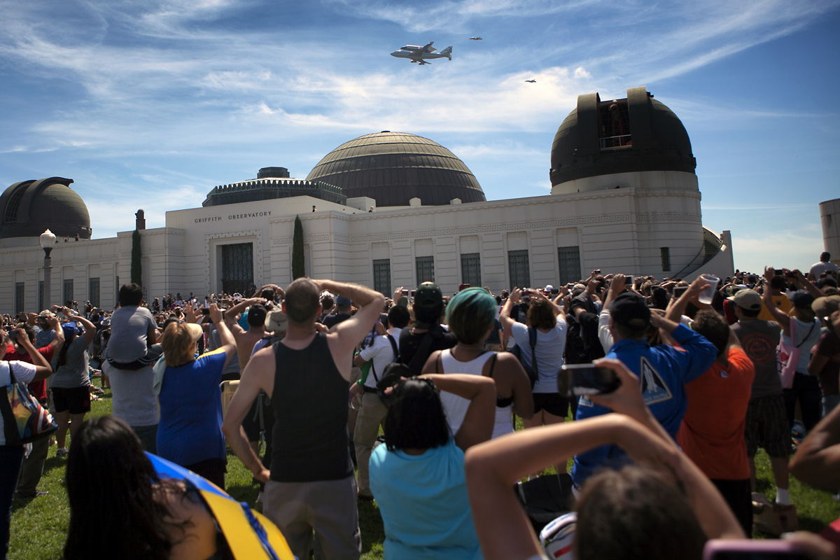 Shuttle Endeavour in California: Los Angeles Space Fans Speak Out