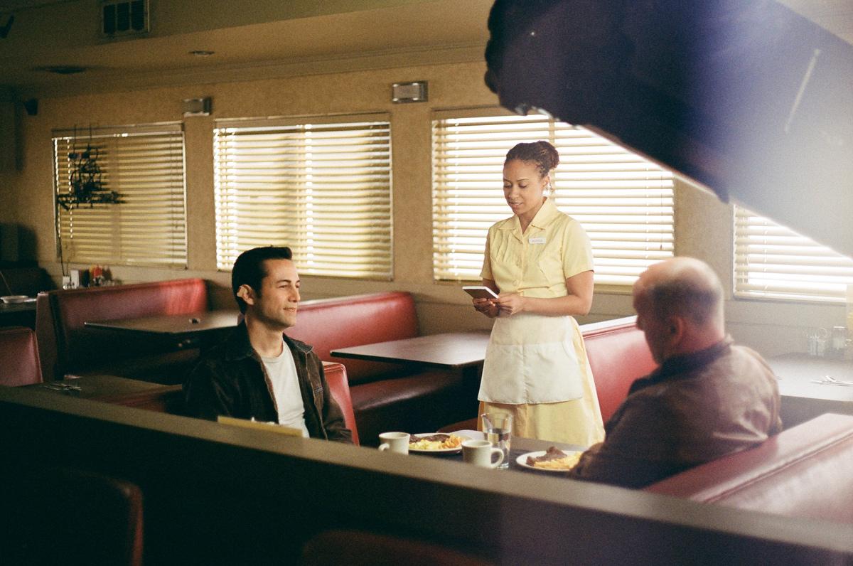 Joseph Gordon-Levitt, Bruce Willis, Traci Thoms in
