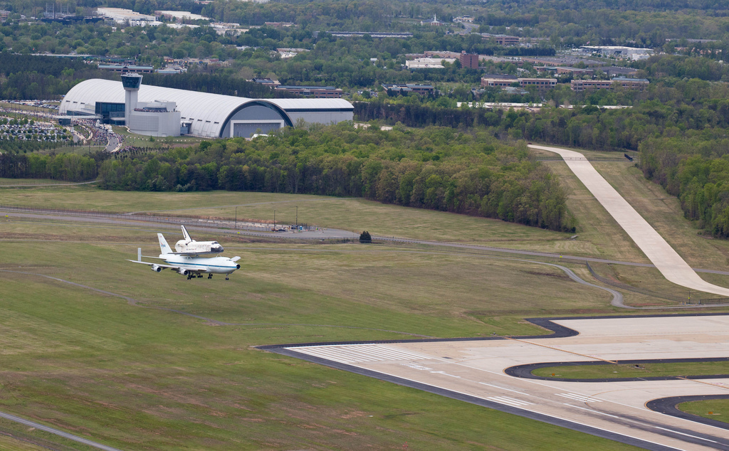 Space Shuttle Discovery Lands at Dulles Airport