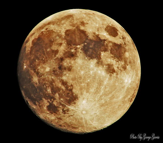 SPACE.com reader George Garcia sent in his photo of the September 2012 harvest moon taken on Sept. 29, 2012, in Montebello, CA.