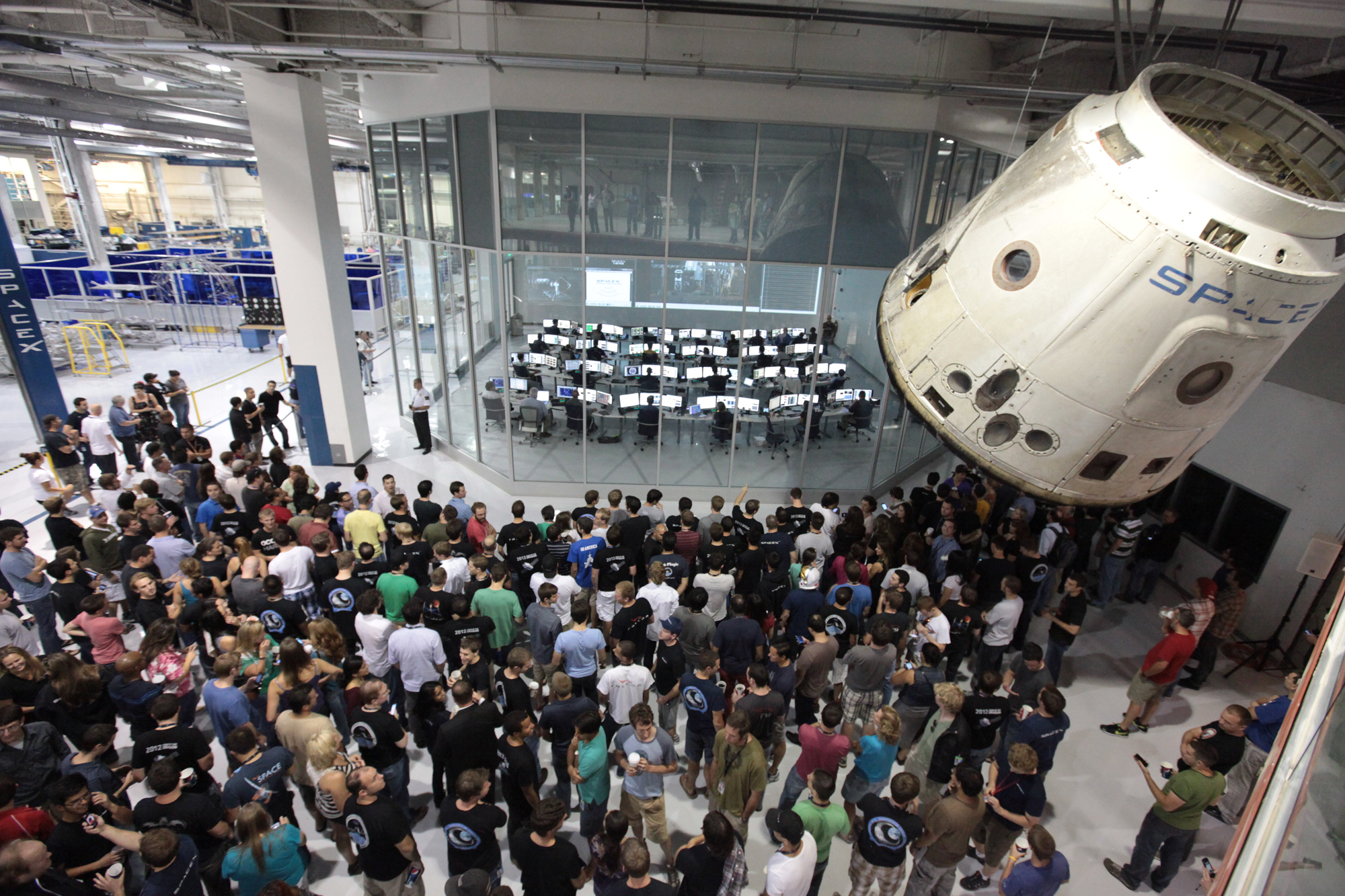 SpaceX Employees Watch Dragon Launch