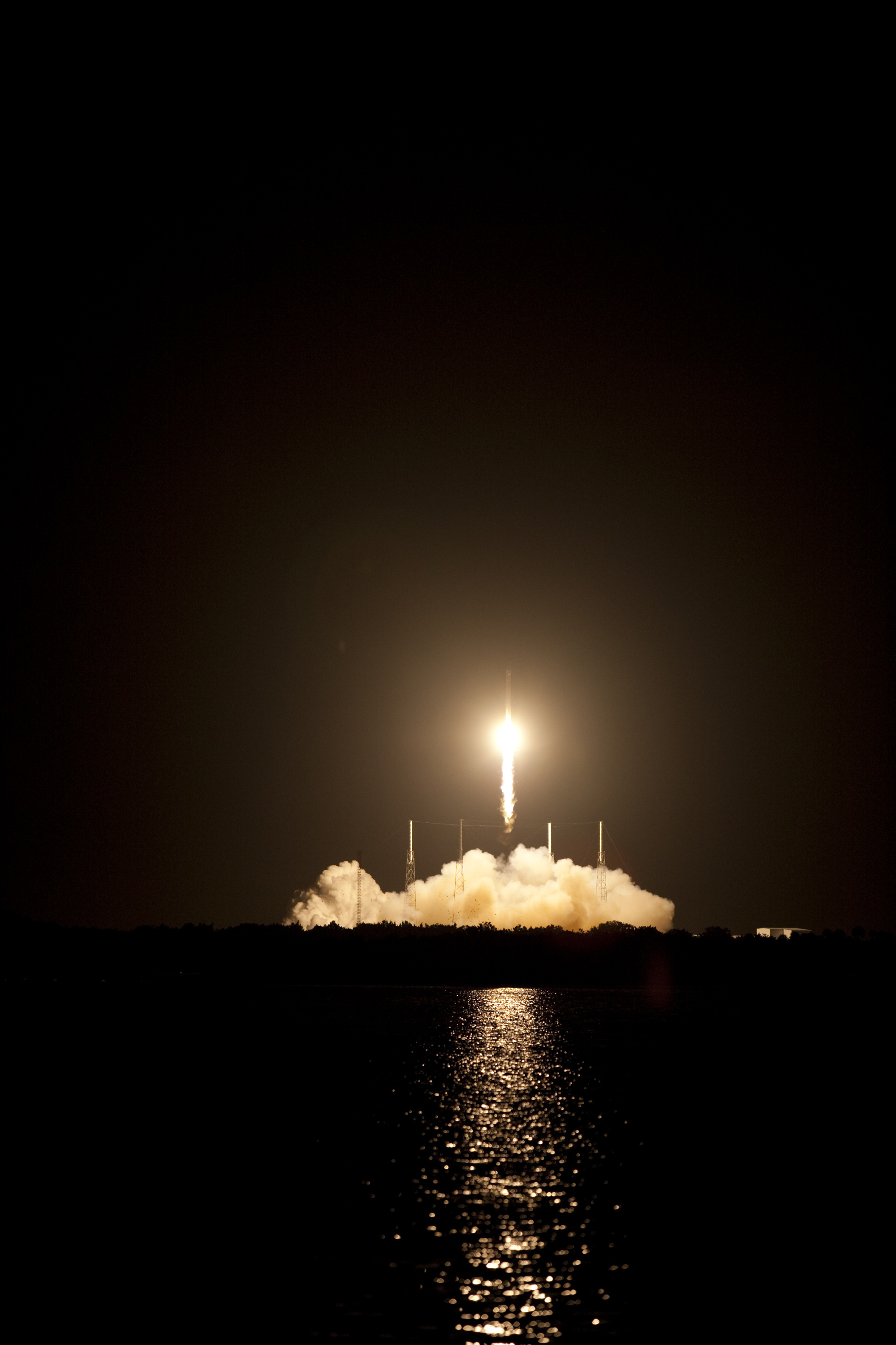 Falcon 9 Rocket Lifts Off