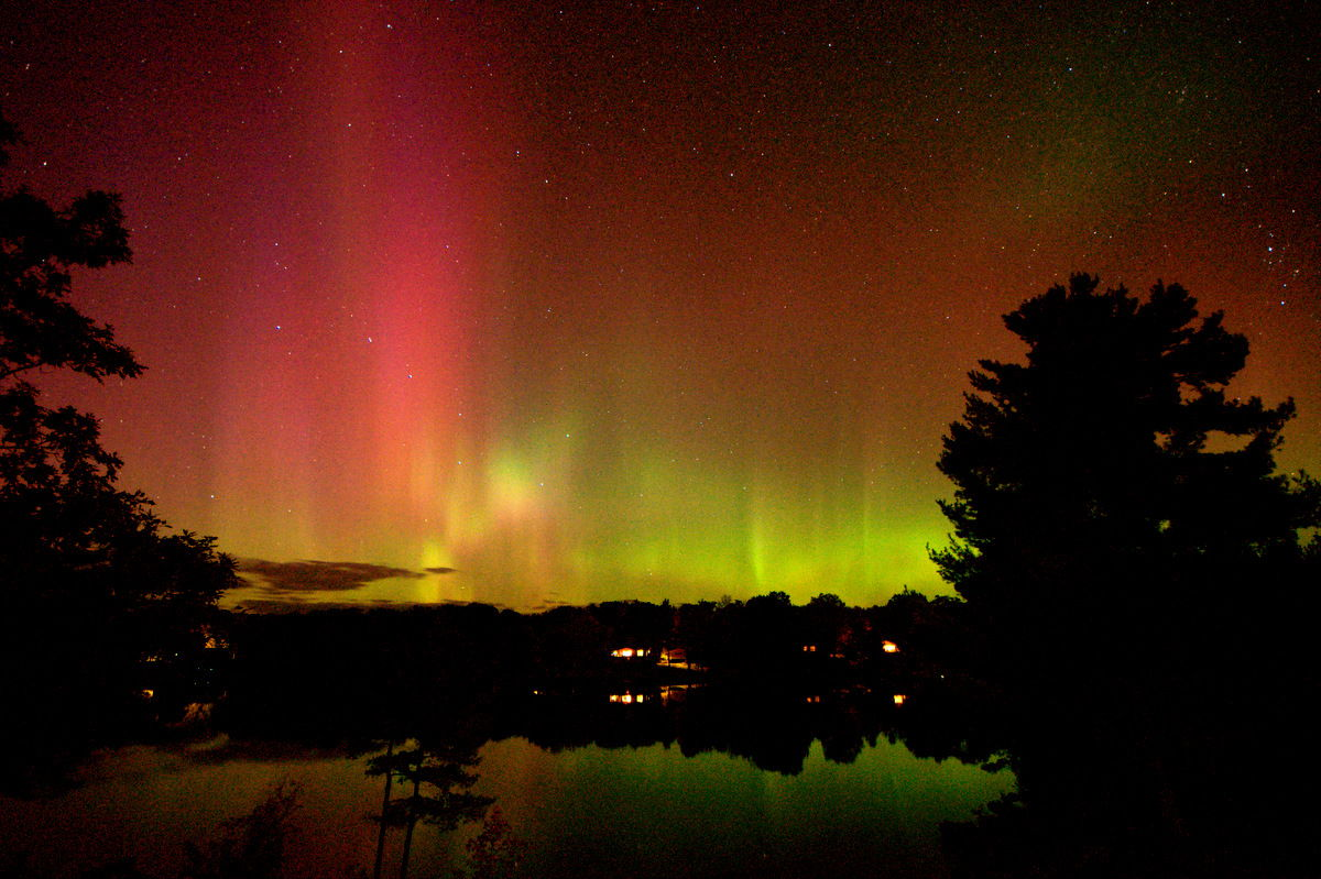 October 2012 Aurora over MacLean Lake, Severn, ON, Canada