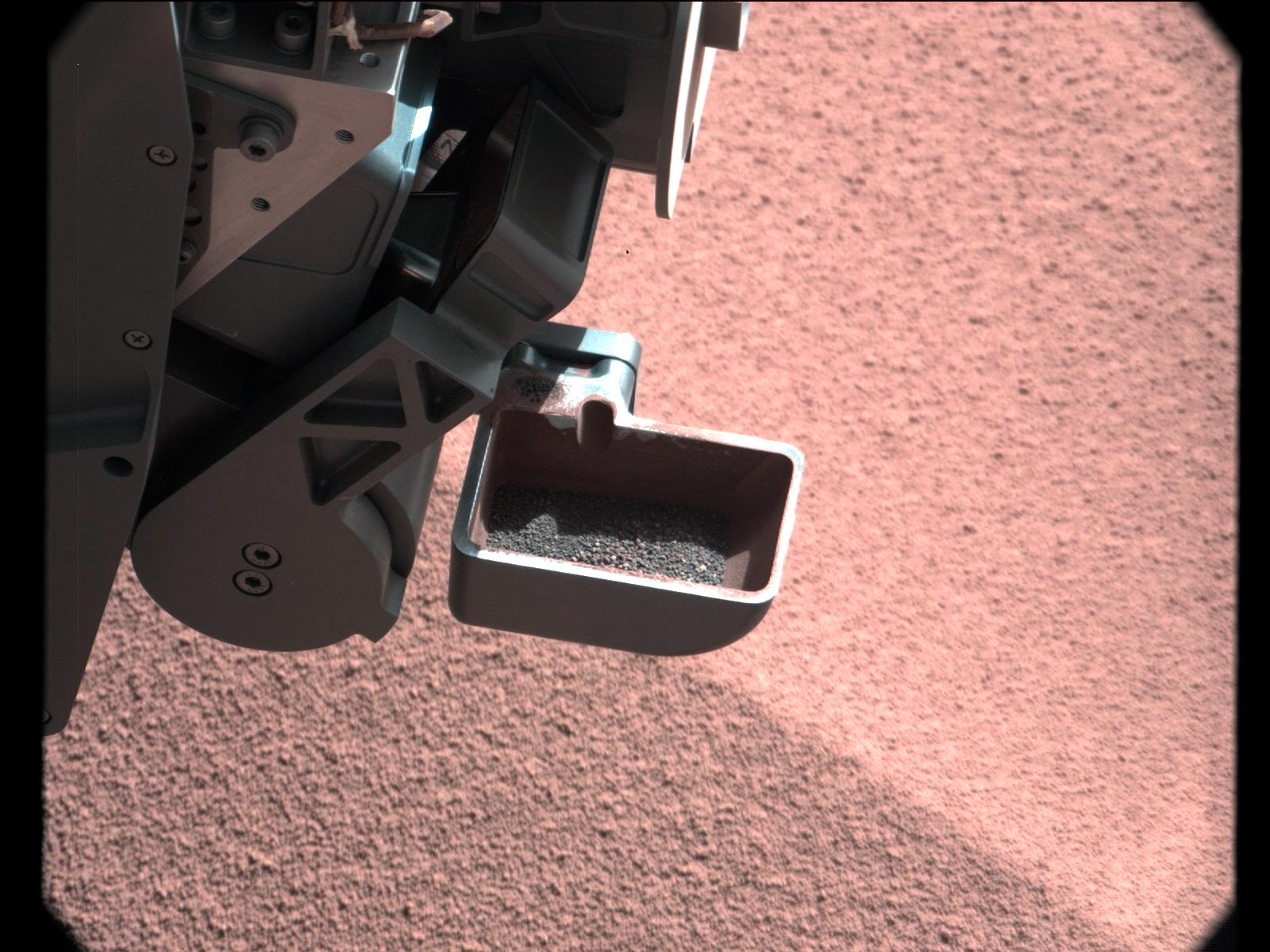 Mars Dirt Samples Too Large for Curiosity Rover