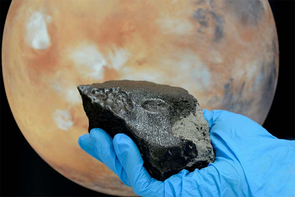 New Clues Into Mystery of Mars Meteorites & Rocks Revealed