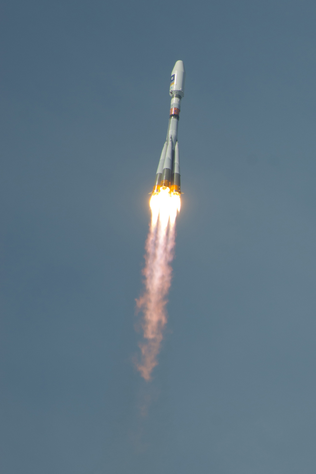 Soyuz Rocket Launches Galileo Satellites: Engine Blaze