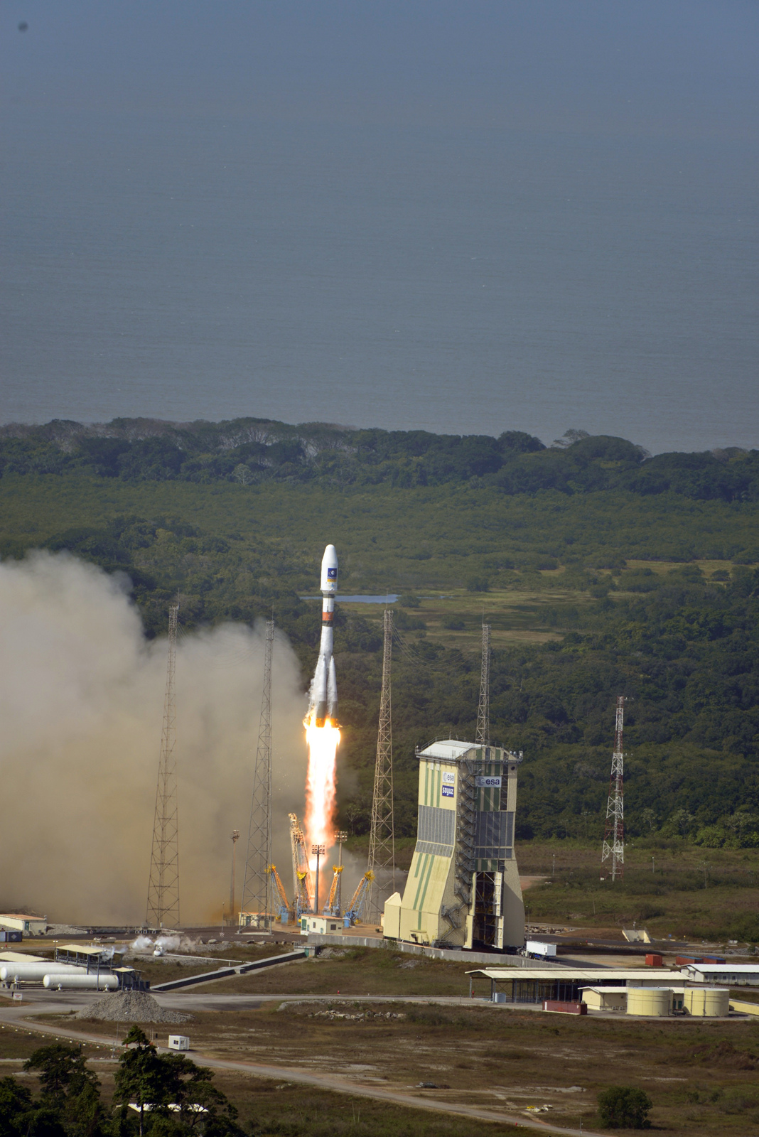 Soyuz Rocket Launches Galileo Satellites: Liftoff!