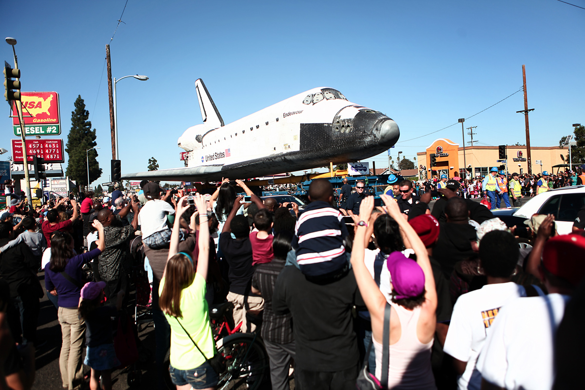 Endeavour Passes a Taco Bell