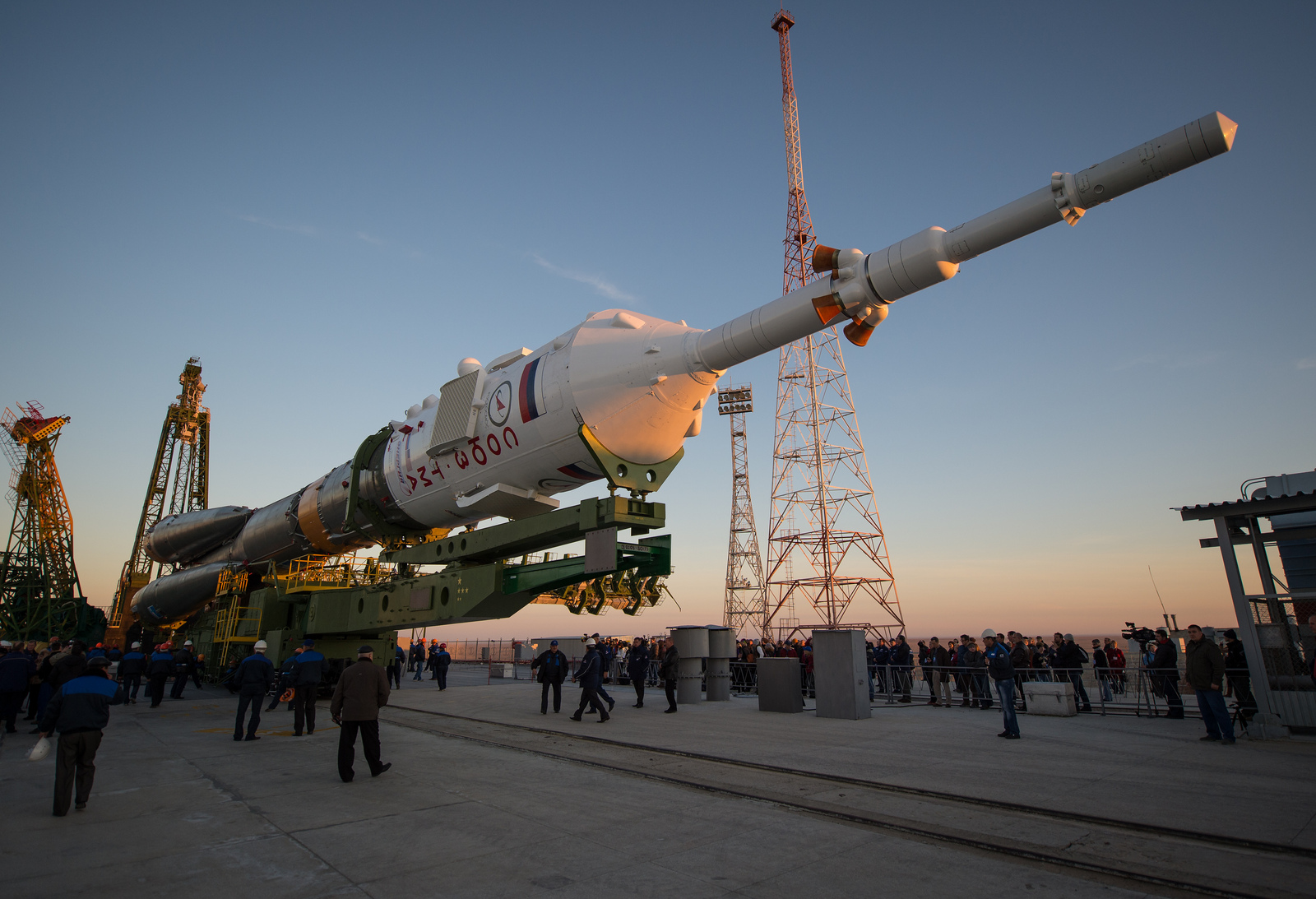 Expedition 33/34 Soyuz Rollout