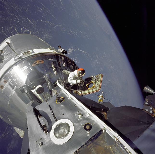 Space History Photo: 'Gumdrop Meets Spider'