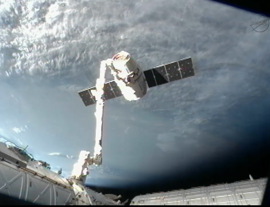 SpaceX Dragon Leaves Space Station
