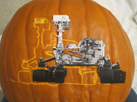 "Liz Warren's Curiosity ""space-o'-lantern"" started with a paper template."
