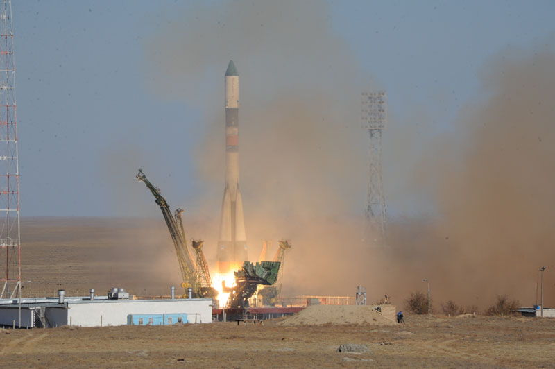 Unmanned Spacecraft Progress M-17M Launched