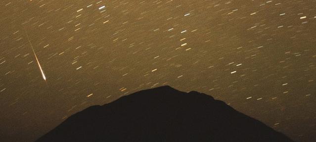 Leonid Meteor Shower 2001: Chris Gruhusko