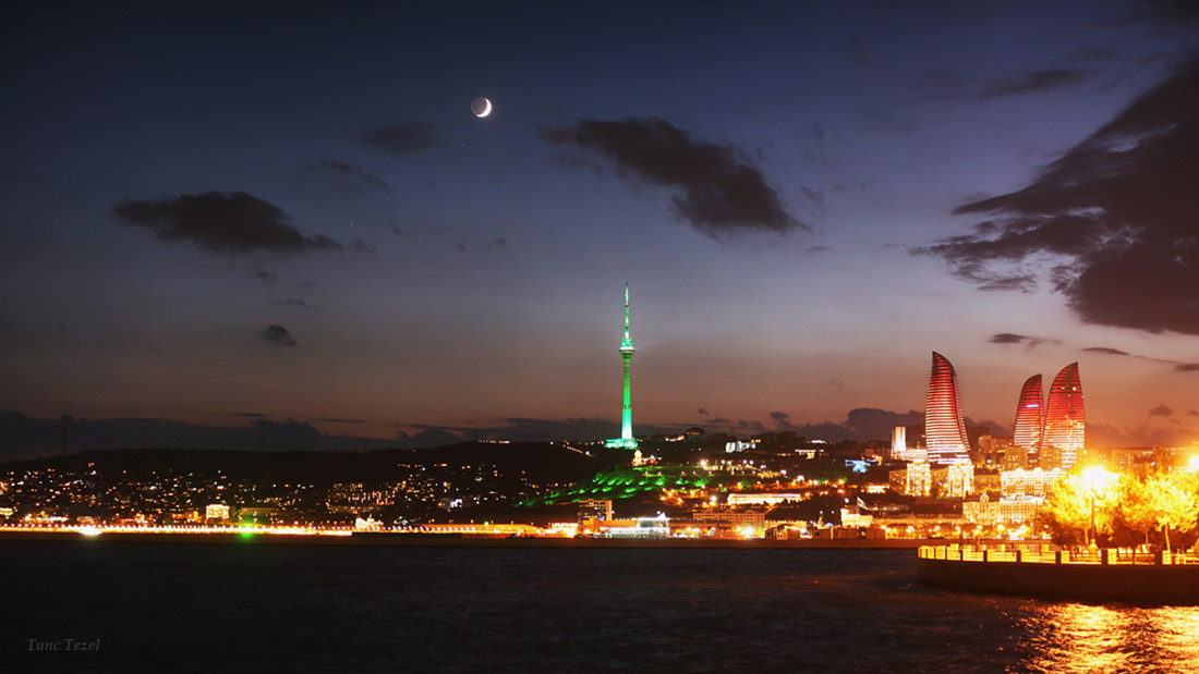 Moon and Mars Shine Over Stunning Skyline