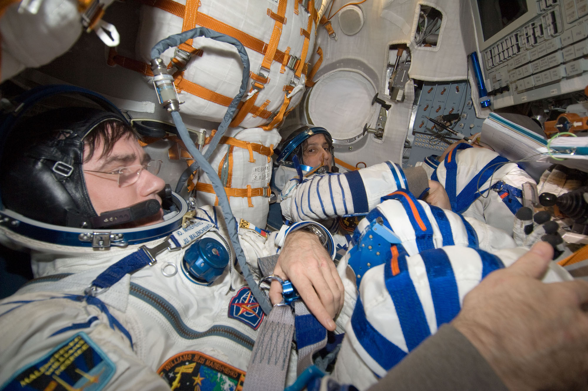 Expedition 33 Landing: Spacesuit Checks