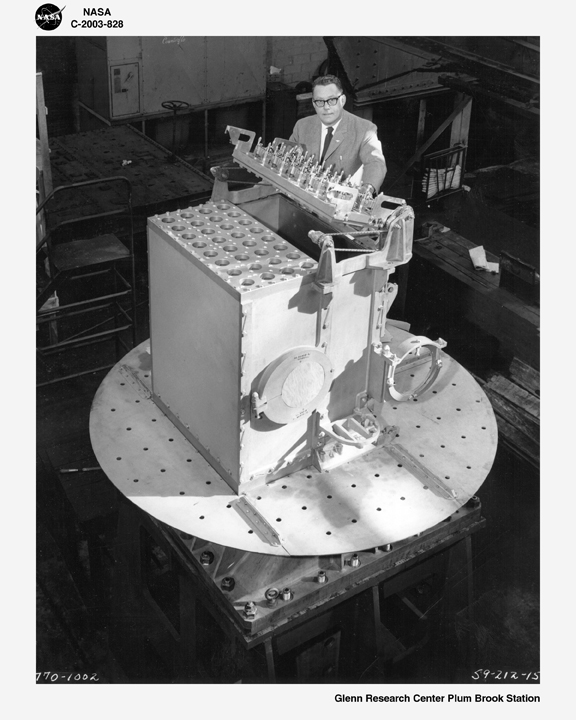 Space History Photo: Demonstration of Plum Brook's reactor core