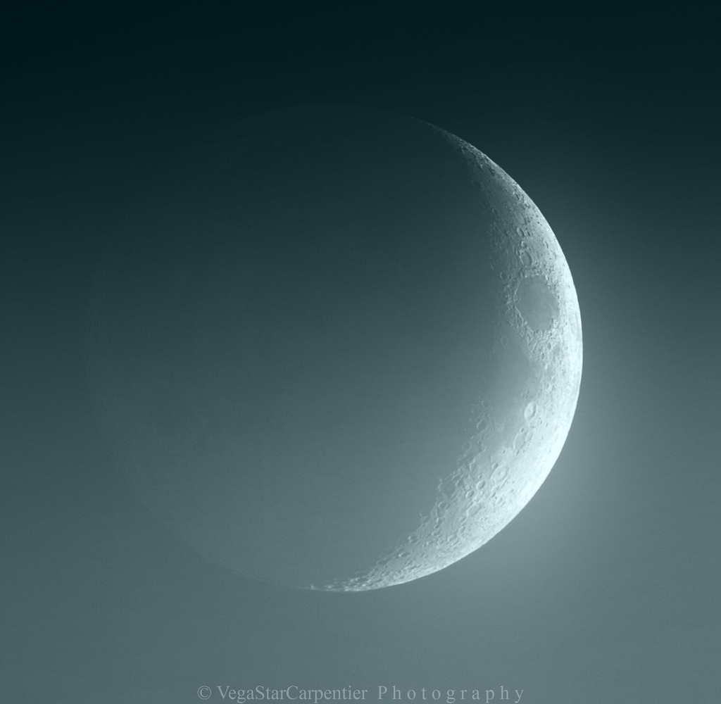 Earthshine Illuminates Waxing Crescent Moon Nov. 2012