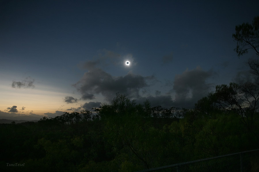Amazing Total Solar Eclipse View Over Australia (Photo)