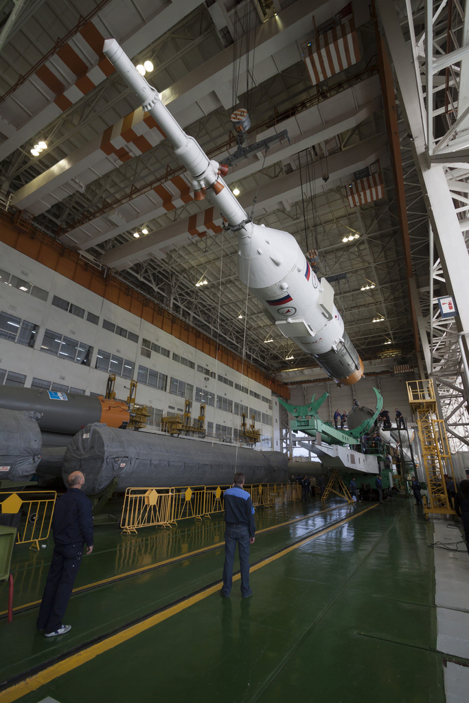 Expedition 34 Soyuz Assembly