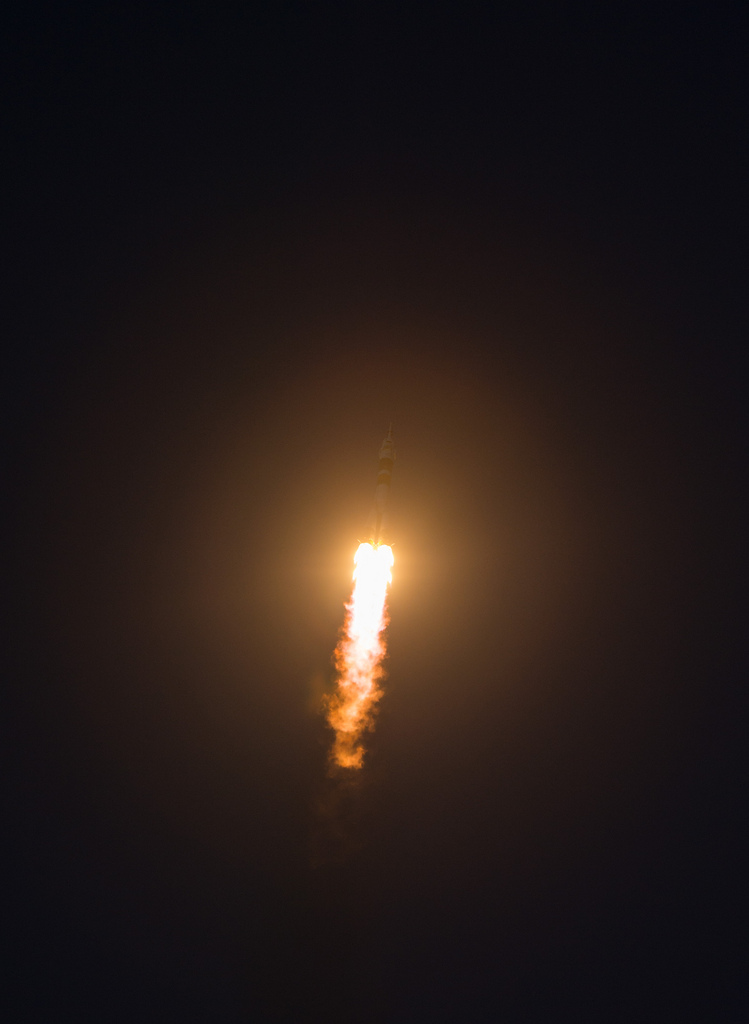 Expedition 34 Launch Rocket