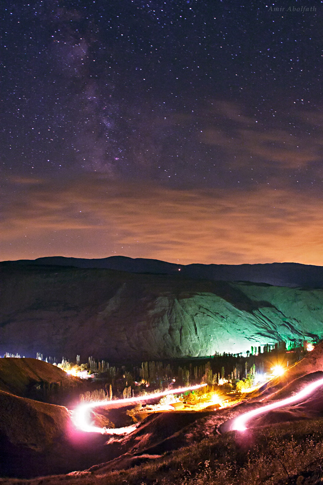Milky Way Galaxy Sparkles Over Mountains in Iran (Photo)
