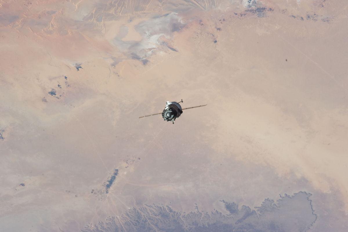 Soyuz Spacecraft Approaches ISS