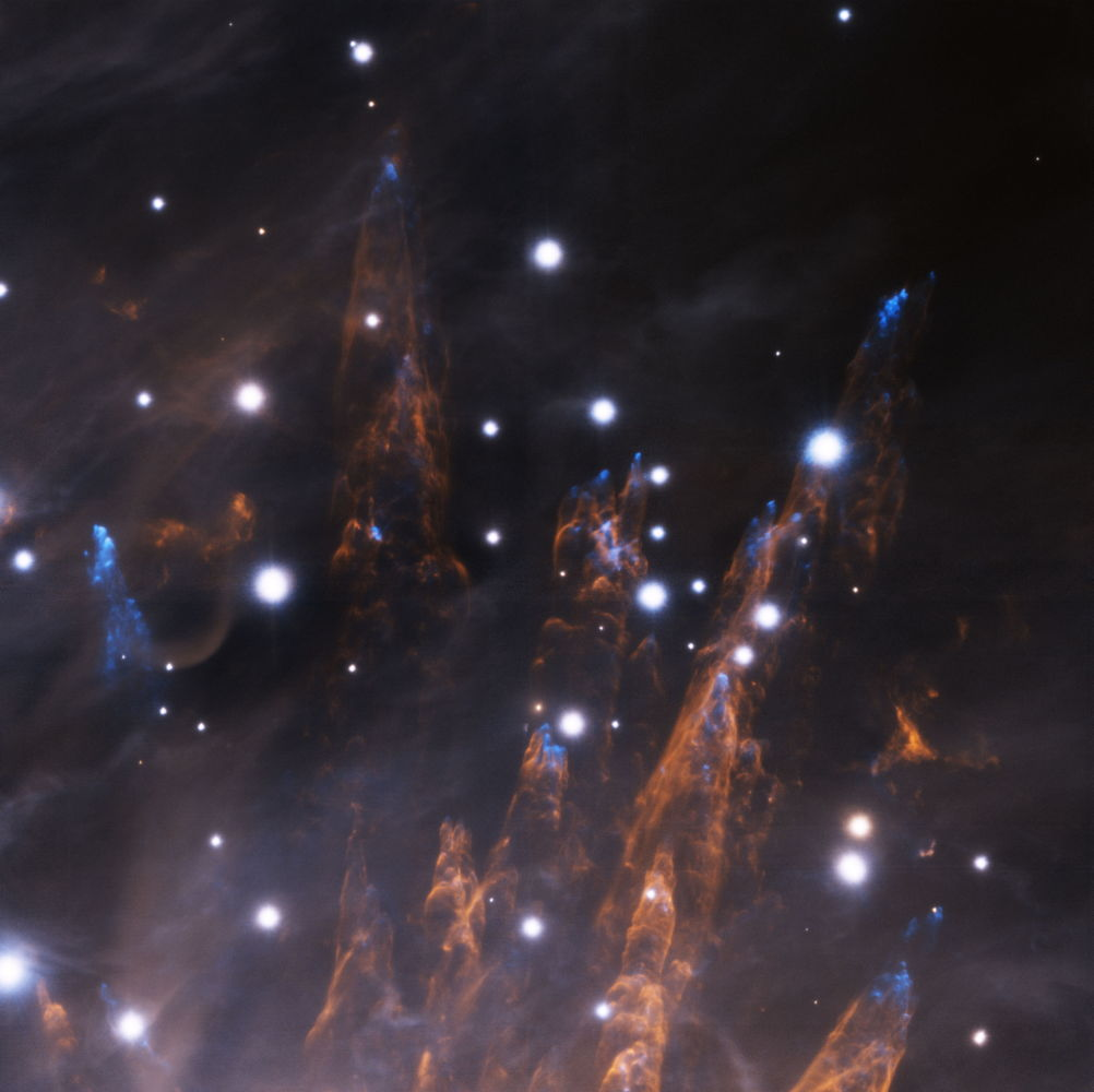 Cosmic 'Bullets' Slam Orion Nebula in Dazzling Photo