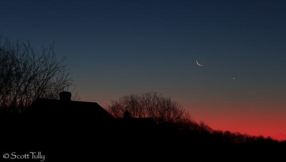 Scott Tully captured this sunrise shot of the crescent moon and Venus over rural Connecticut on Jan. 10, 2012.
