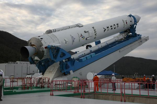 KSLV-1 Launcher on Oct. 24, 2012
