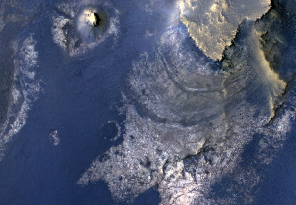 Giant Mars Crater Shows Evidence of Ancient Lake