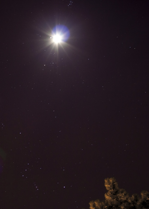 Skywatcher Eric Teske captured this photo of Jupiter near the moon on Jan. 21, 2013 during an extreme close encounter from Bowling Green, Ohio.