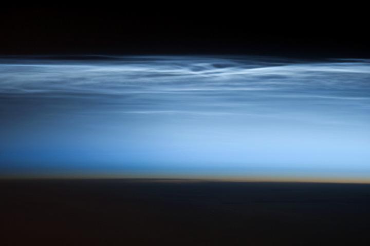 Astronaut Snaps Beautiful Photo of 'Night-Shining Clouds'