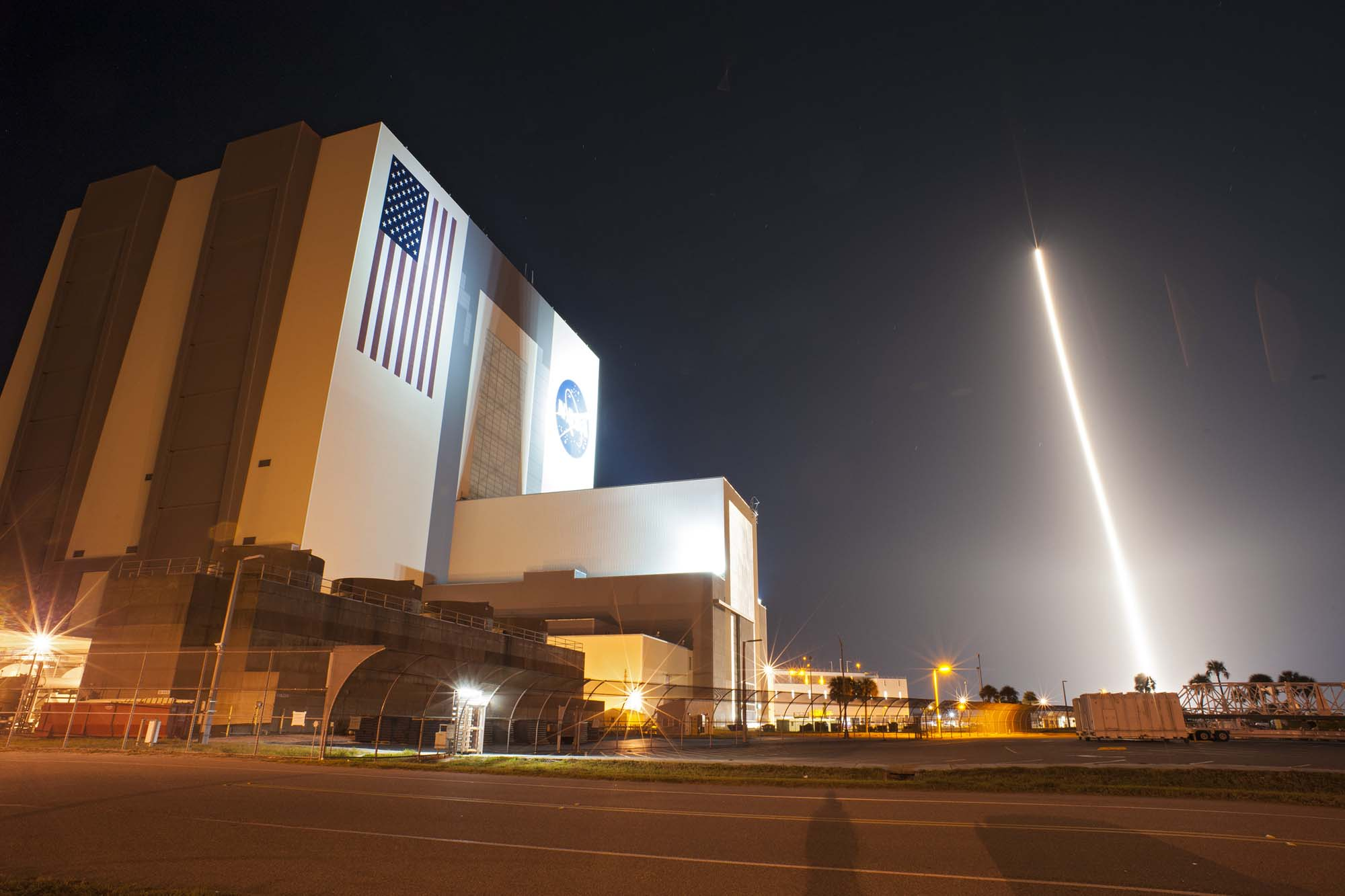 Launch Photos: NASA's TDRS-K Communications Satellite Blasts Off